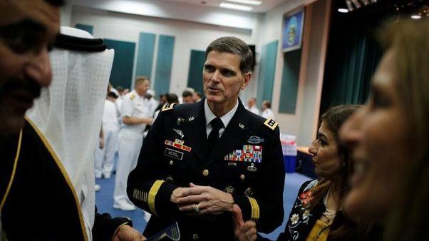 قائد القيادة المركزية الأمريكية: روسيا تلعب دور مشعل الحريق ورجل الإطفاء في سوريا