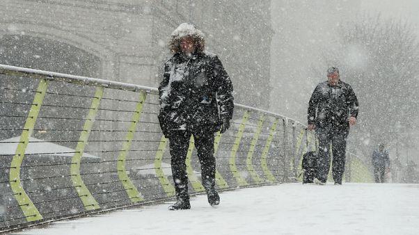 """بريطانيا تتعرض لعواصف ثلجية جلبها """"الوحش القادم من الشرق"""""""