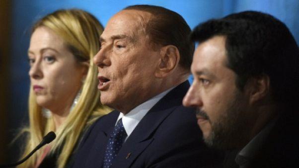 Italie : la coalition de droite affiche son unité, le M5S ses experts