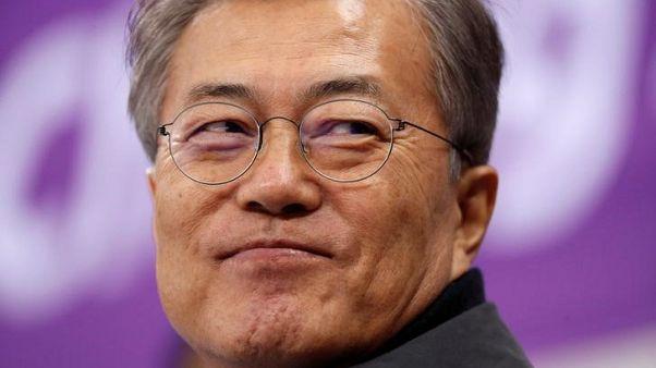 """رئيس كوريا الجنوبية ينتقد اليابان بسبب """"نساء المتعة"""""""