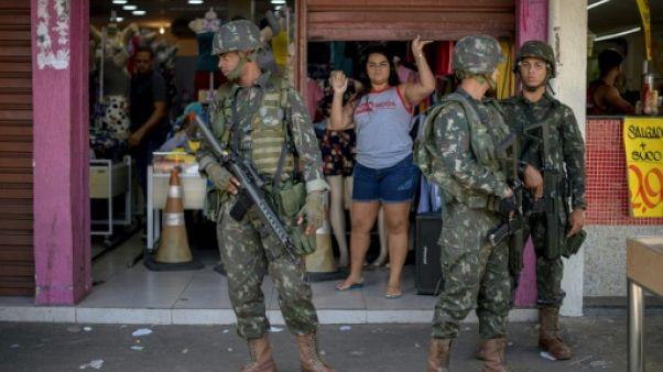 Brésil: dans une favela de Rio, l'armée a laissé de mauvais souvenirs