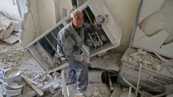 Syrie: raids sur une enclave rebelle, les camions d'aides en attente