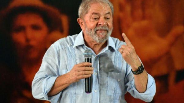 """Brésil: l'ex-président Lula """"innocent"""" et plus que jamais candidat"""