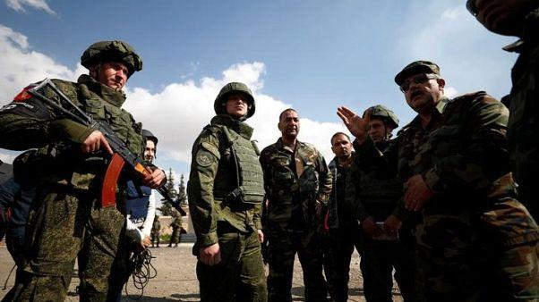 قيادي والمرصد: الجيش السوري يتقدم في هجوم على الغوطة الشرقية