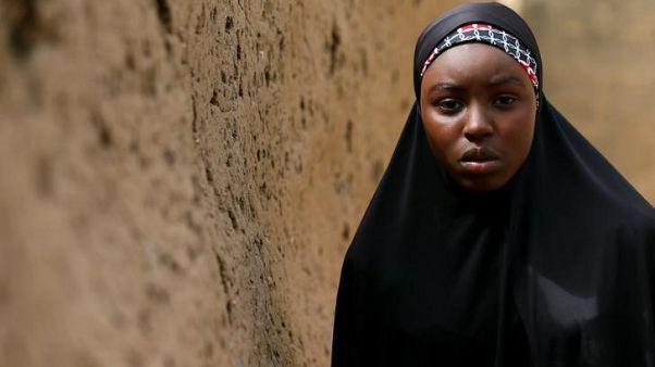 نيجيريا توسع نطاق البحث عن تلميذات مختطفات إلى بلدان مجاورة