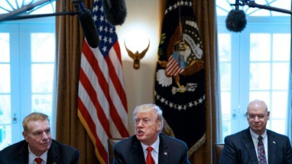 Des armes à l'acier, semaine chaotique à la Maison Blanche
