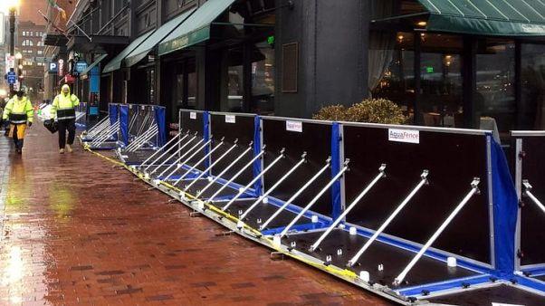 فيضانات تغرق شوارع بوسطن وشمال شرق أمريكا يستعد لعاصفة قوية