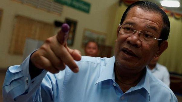 رئيس وزراء كمبوديا يتهم أمريكا بالكذب فيما يتعلق بتقليص المعونات