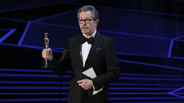 جاري أولدمان يفوز بجائزة أوسكار أفضل ممثل