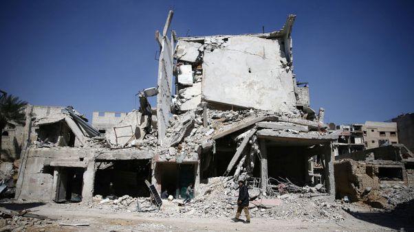 الأسد يتعهد بمواصلة هجوم الغوطة مع فرار المدنيين أمام تقدم الحكومة