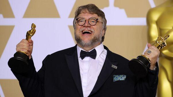 فيلم (ذا شيب أوف ووتر) يفوز بجائزة أوسكار أفضل فيلم