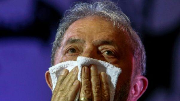 Brésil: L'étau se resserre autour de Lula, plus proche de la prison