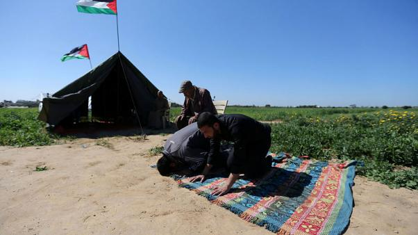 فلسطينيون في غزة يعتزمون الاحتجاج بالخيام على الحدود مع إسرائيل