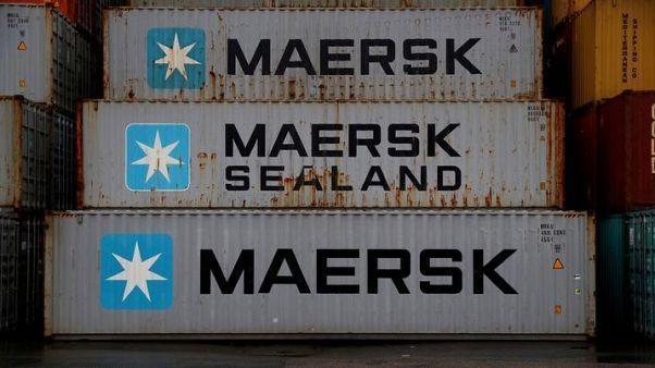 ميرسك للشحن: وفاة أحد أفراد طاقم سفينة تحترق في بحر العرب