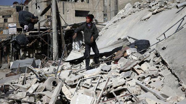 المرصد السوري: قوات موالية للحكومة تشطر الغوطة الشرقية فعليا