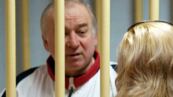 Ex-espion russe: la police tente de déterminer l'origine de l'agent innervant