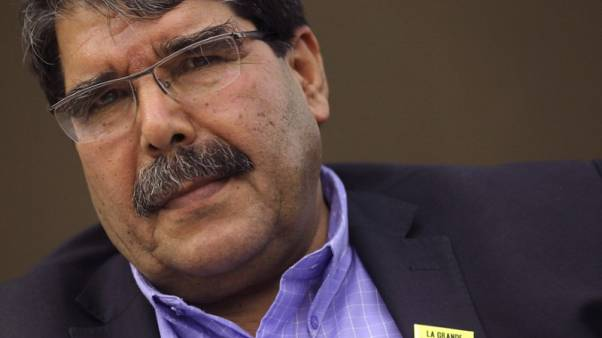 تركيا تطالب السويد باحتجاز وتسليم زعيم كردي سوري