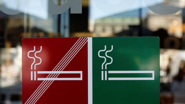 Austrian no-smoking petition against government reaches 500,000 mark