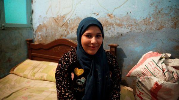 تحقيق-مصر تجد صعوبة في القضاء على ختان الإناث