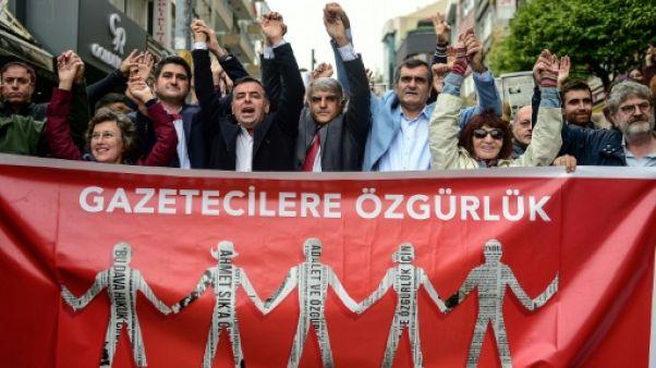 Turquie: 25 journalistes condamnés en lien avec le putsch manqué