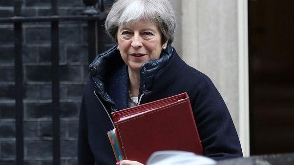 ماي: بريطانيا سترد إذا ثبتت مسؤولية روسيا عن هجوم بغاز الأعصاب
