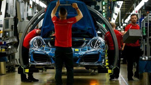 الإنتاج الصناعي الألماني يهبط على غير المتوقع في يناير