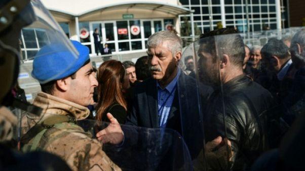 """Turquie: reprise du procès Cumhuriyet qui dénonce l'""""oppression"""""""