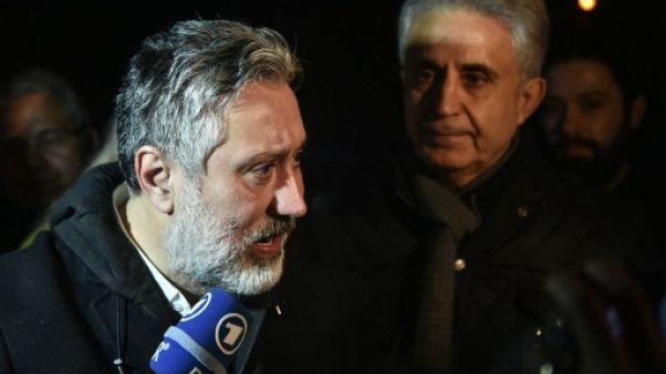 Turquie: deux journalistes du quotidien d'opposition Cumhuriyet libérés