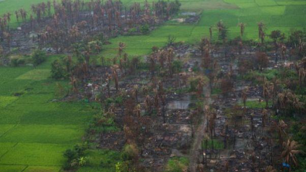 Birmanie: des bases militaires à l'emplacement des villages rohingyas incendiés