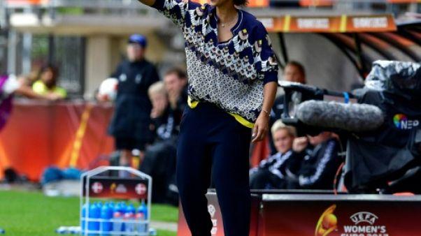 Foot/Dames: La sélectionneuse allemande Steffi Jones évincée, Hrubesch intérimaire