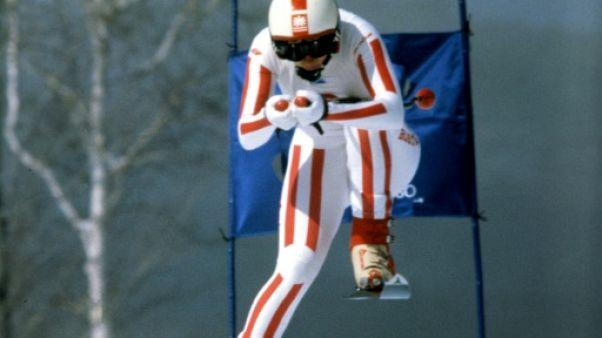 Allégations d'abus sexuels: l'ex-entraîneur star du ski autrichien secouru par d'anciennes gloires