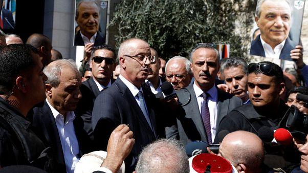 رئيس الوزراء الفلسطيني ينجو من هجوم بقنبلة في غزة