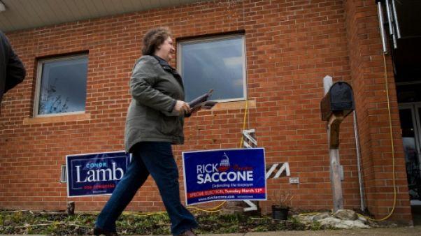 Etats-Unis: le parti républicain de Trump en baisse dans une élection partielle serrée