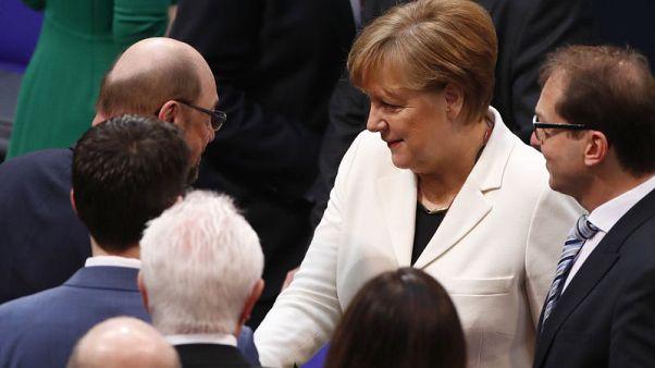 النواب الألمان ينتخبون ميركل لولاية رابعة