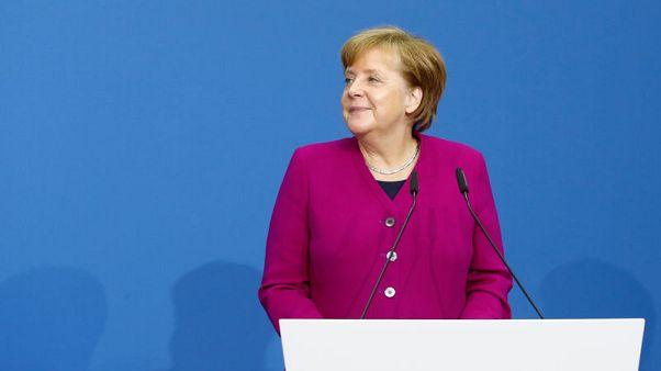 ميركل: الاتحاد الأوروبي متحد بشأن روسيا لكن ينبغي مواصلة الحوار