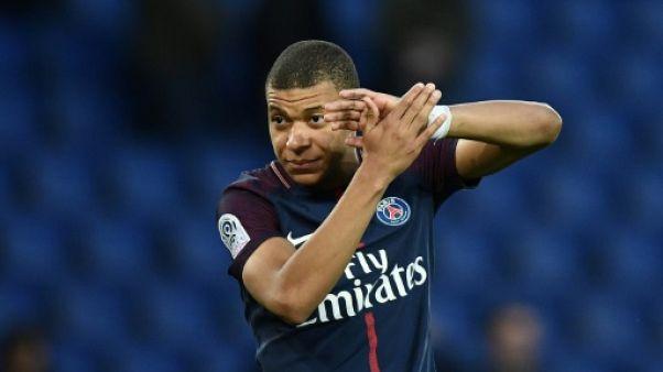 Ligue 1: Mbappé se réveille, le PSG écarte Angers
