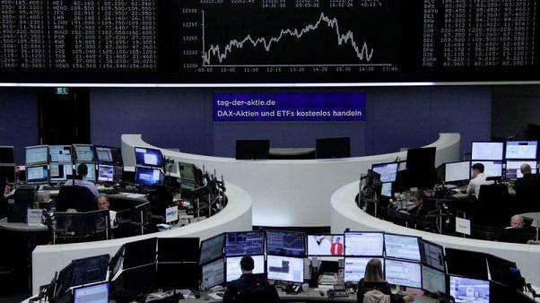 البورصة الإيطالية والبنوك تدفع الأسهم الأوروبية للهبوط، لكن سهم أديداس يقفز