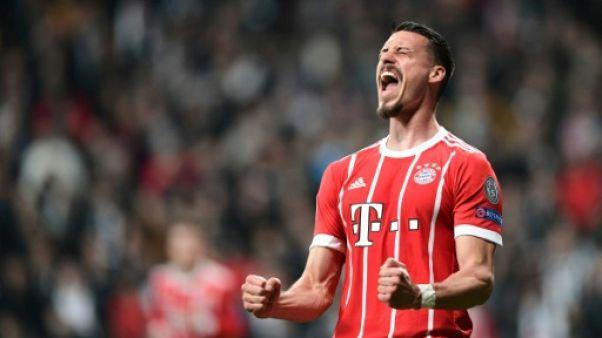 Ligue des champions: Le Bayern Munich file en quarts, record pour Heynckes