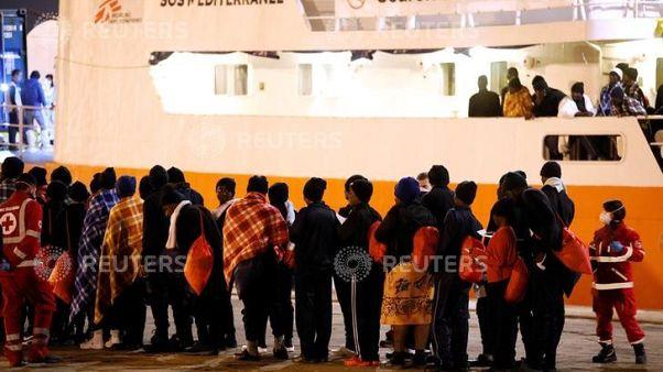 موظفو إغاثة: وفاة مهاجر في إيطاليا تسلط الضوء على الظروف السيئة في ليبيا