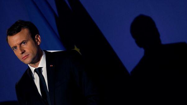 بعد تردد.. فرنسا تدعم بريطانيا بشأن دور روسيا في استهداف جاسوس سابق