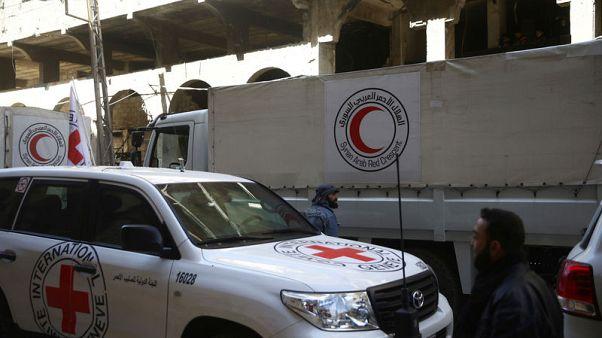 الصليب والهلال الأحمر في سوريا: قافلة مساعدات تدخل الغوطة الشرقية