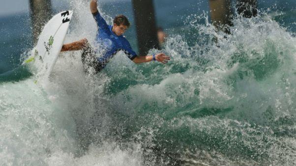 """Surf: un jeune Américain réussit un """"triple barrel"""", le Graal de la discipline"""