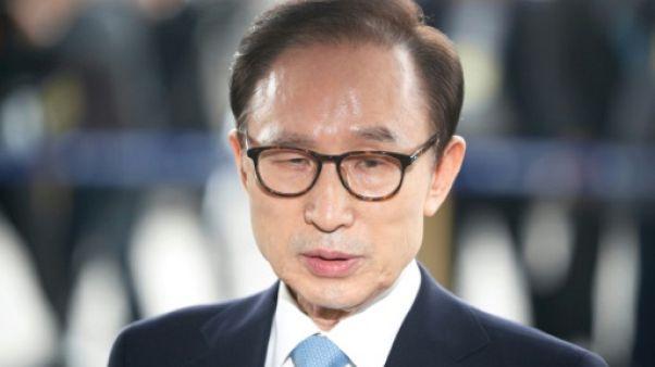 Corée du Sud: l'ex-président avoir reçu 100.000 dollars de fonds secrets