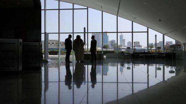 البحرين تعول على التكنولوجيا المالية والعلاقات السعودية في إنعاش اقتصادها