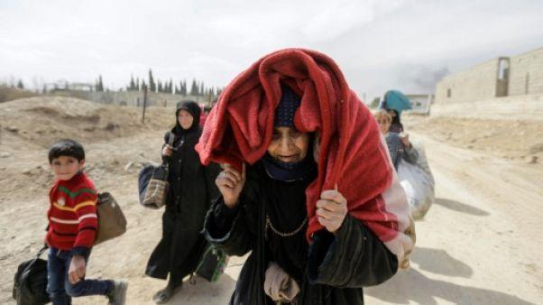 Epuisés, les Syriens fuient en masse le siège et le pilonnage de la Ghouta
