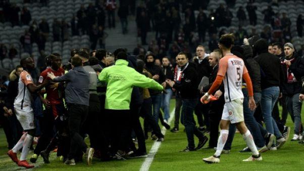 """Huis clos à Lille: le club dénonce une sanction """"d'une extrême sévérité"""""""