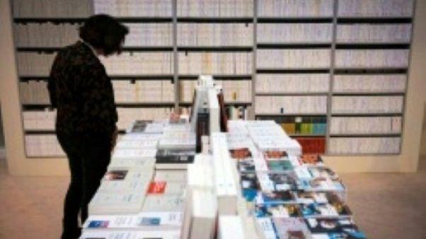 Le président Macron inaugure le Salon du livre en ignorant le pavillon russe