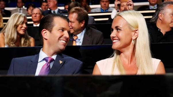 زوجة ابن ترامب ترفع دعوى لطلب الطلاق في نيويورك