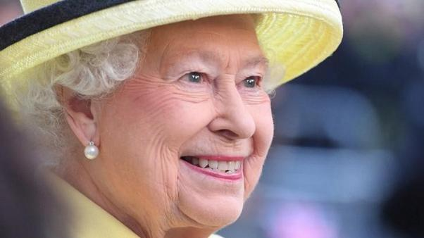 الملكة إليزابيث تمنح الموافقة الرسمية على زواج هاري وماركل