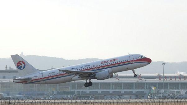 """الصين تمنع أصحاب """"السمعة الاجتماعية"""" السيئة من ركوب الطائرات والقطارات"""